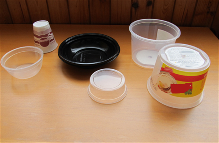 Wash and dry the plastic containers.