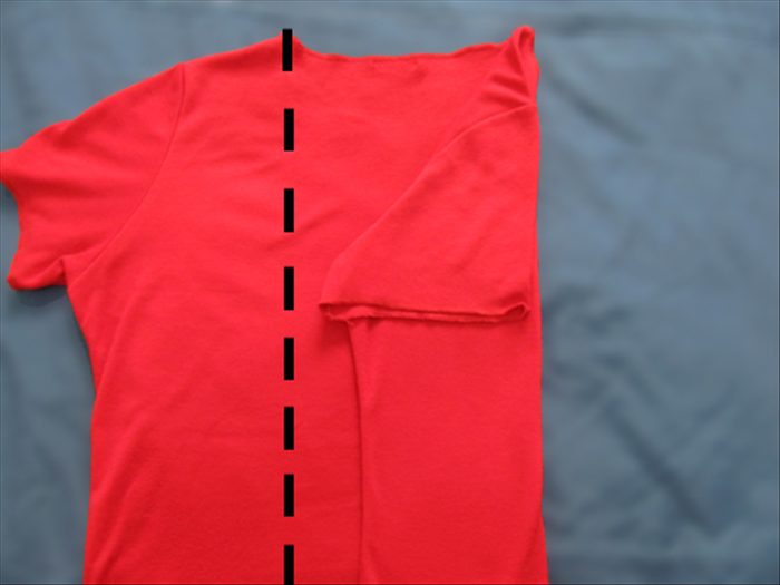 Result Fold the left side from the left edge of the neckline