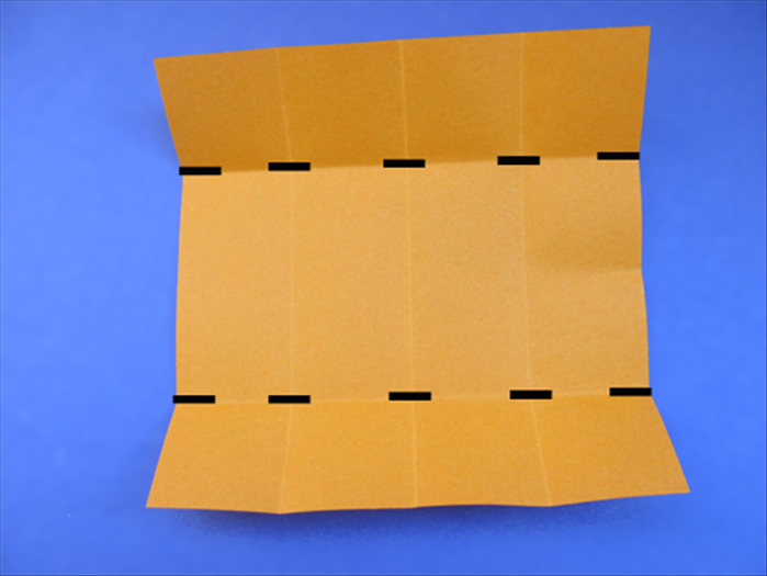 <p> Fold the sides to the pinch mark</p>  <p>  </p>