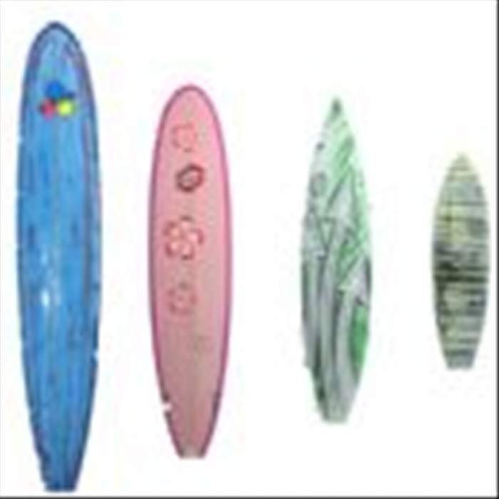 Thickness of the board: When you start to surf it is important that the surfboard be thick. It has good buoyancy on the water and of course greater stability.